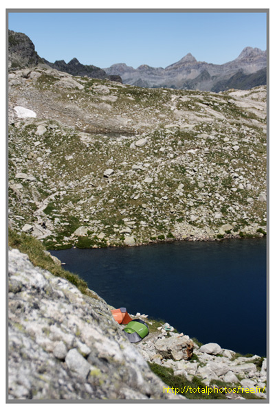 http://totalphotos.free.fr/galleries/Localisation/France/Midi_Pyrenees/Hautes_Pyrenees/Lac_d_Artouste/IMG_7772_DXO_raw.jpg